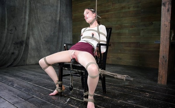 bonnie-day-ball-gagged-and-dildo-fucked