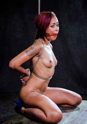skin-diamond-ball-gagged